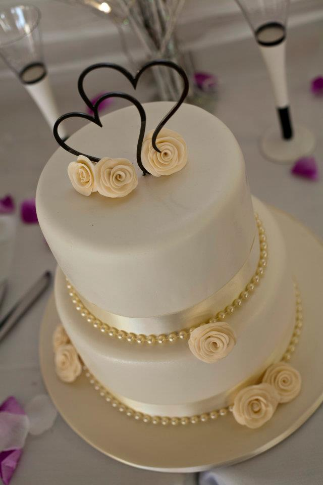 2 Tier Wedding Cake With Ivory Pearls