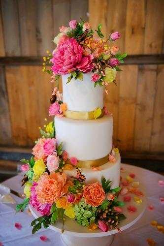10 Stunning Summer Wedding Cakes